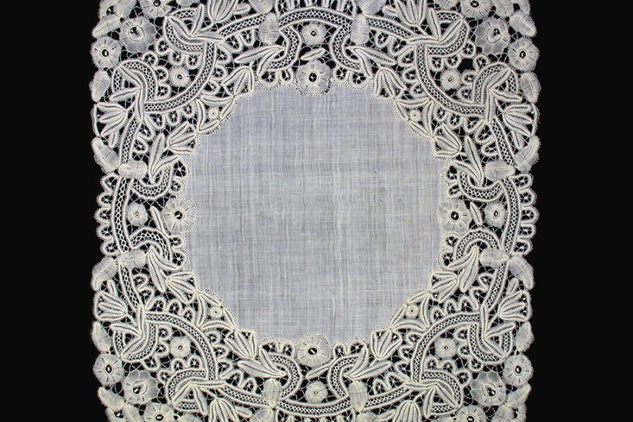 Lace handkerchief, Unknown artist, Europe, 1870-1929. Gift from the Estate of Helen Louise Allen.